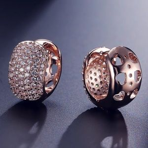 NIB 18kt Rose Gold Diamond Pave Hoop Earrings